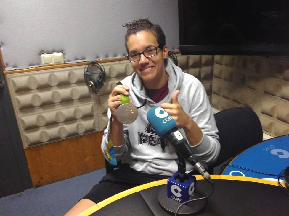 Laura Nicholls, en la visita que hizo a Cope Cantabria tras lograr la medalla de plata en los Juegos de Río