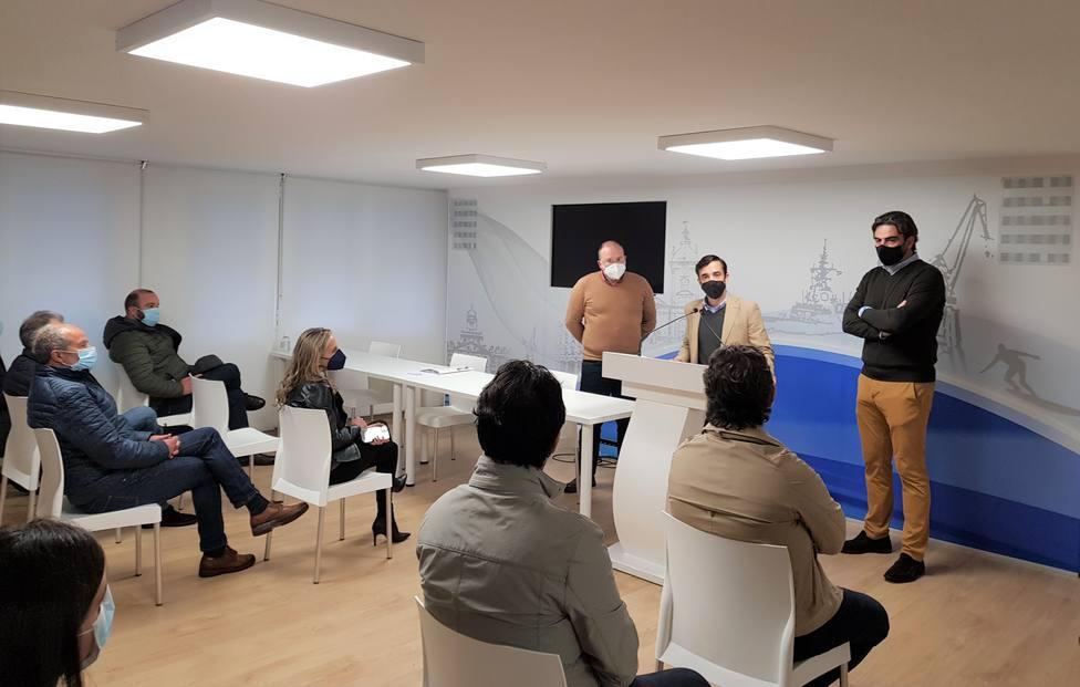 Tellado, Rey Varela y Calvo con portavoces y alcaldes del PP en Ferrolterra, Eume y Ortega - FOTO: PP Ferrol