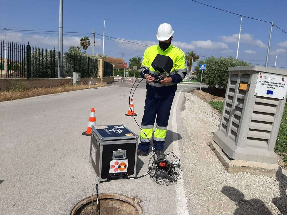 Varios drones recorren las alcantarillas de Lorca para supervisar su estado