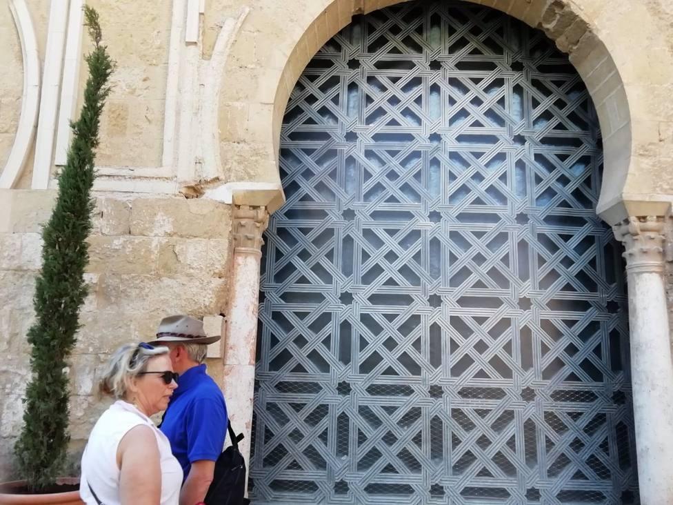 El TS inadmite los recursos de Junta y cofradías para mantener la segunda puerta de la Mezquita-Catedral