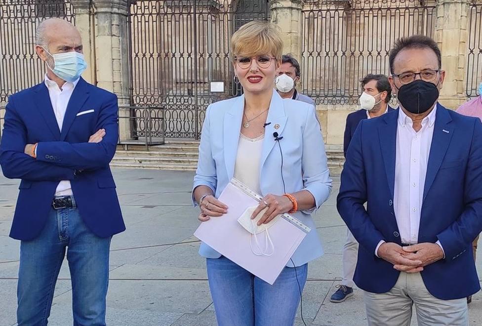 María Cantos, Miguel Castro y Francisco Díaz