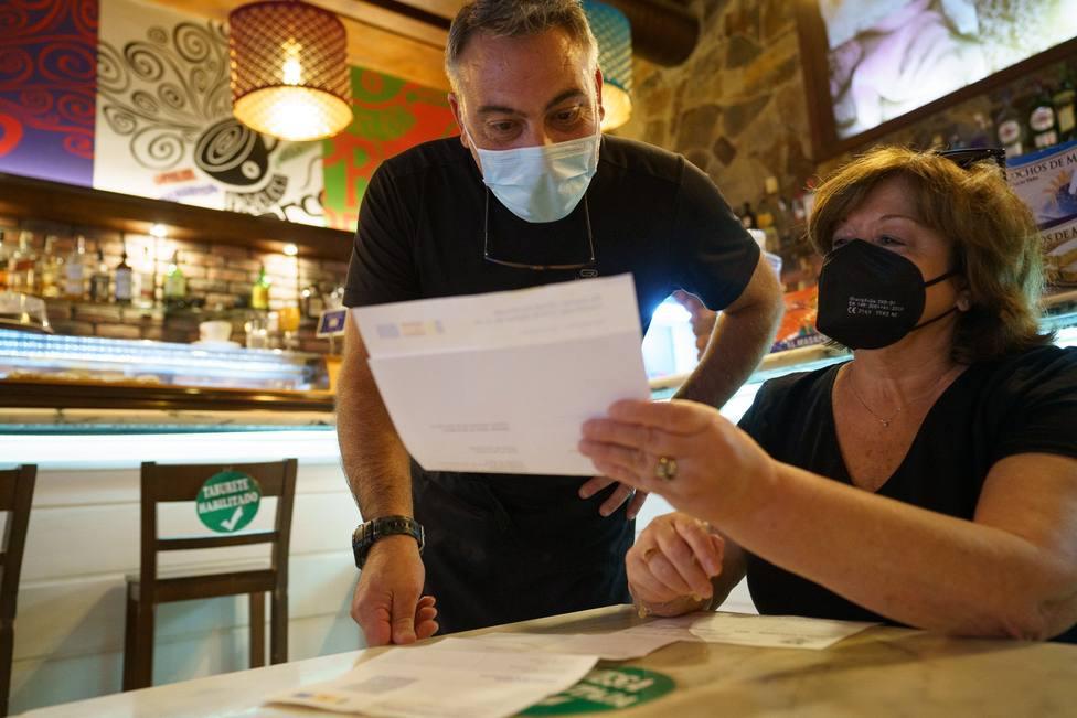 La obligatoriedad del certificado covid para la hostelería, a debate: ¿qué autonomías lo exigen ya?