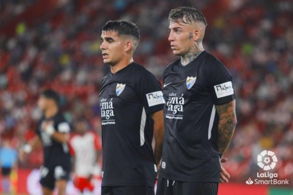 El Málaga estrenó, sin suerte, en Almería su tercera equipación.
