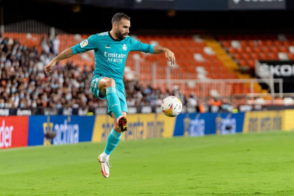 Carvajal, en el partido ante el Valencia en Mestalla (Cordon Press)