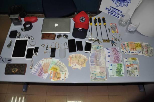 La Policía Nacionalr reduce en un 70% los robos en viviendas de Oviedo durante el verano