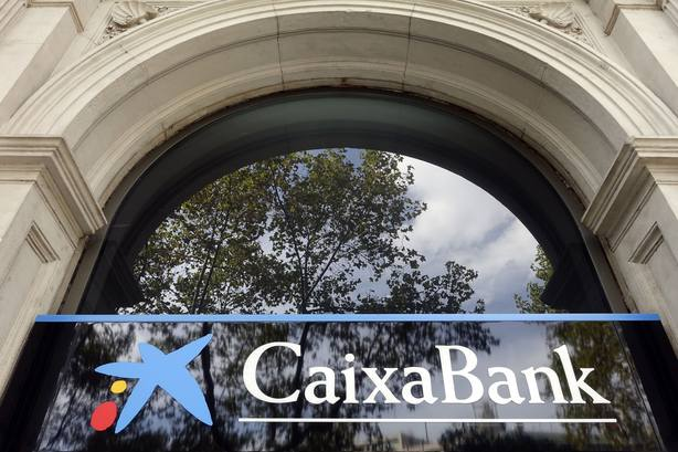 CaixaBank y sindicatos constituyen la mesa negociadora del ERE y fijan el calendario de reuniones