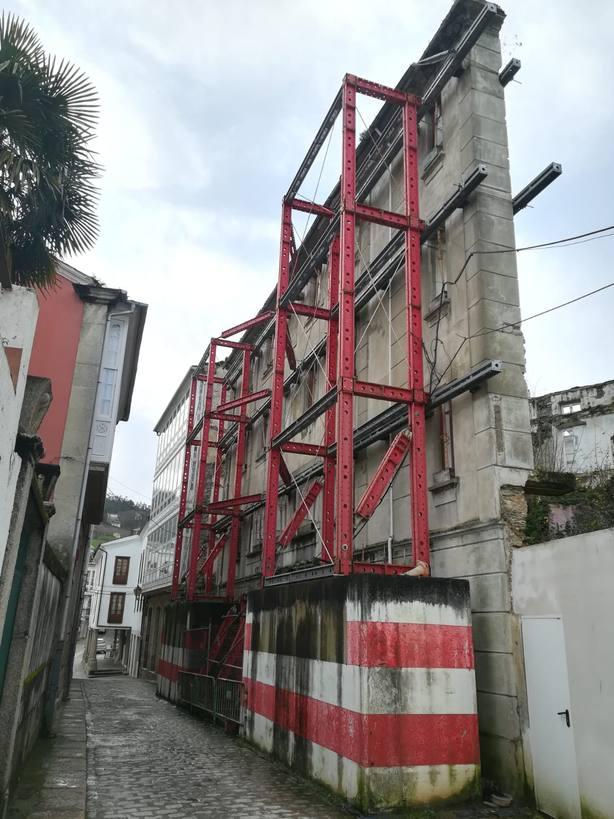 Edificio en ruinas en Mondoñedo