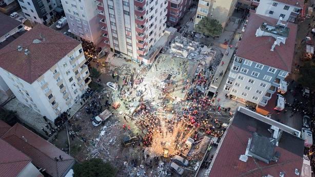 Al menos un muerto y cuatro heridos en Estambul por un derrumbe