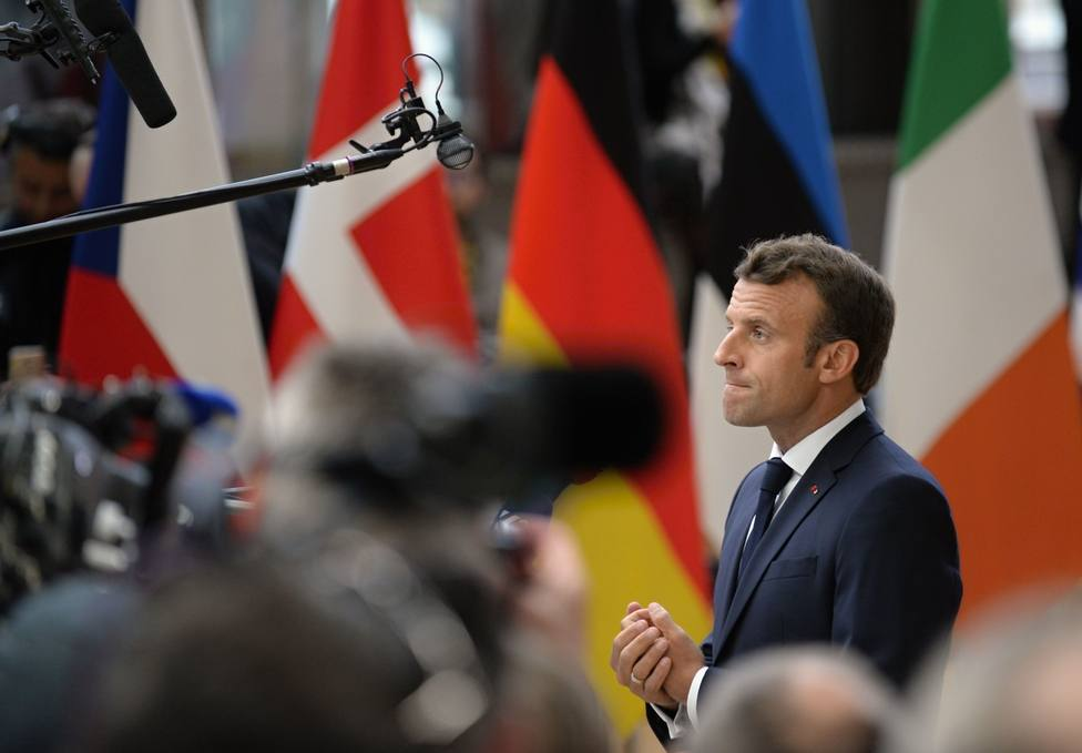 Macron pide no empeñarse en nombres para el reparto de cargos de la UE