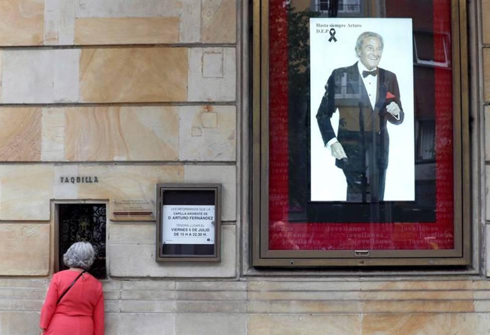 El Teatro Jovellanos de Gijón acogerá la capilla ardiente del actor Arturo Fernández