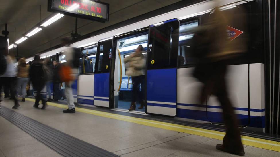 Los puntos a favor y en contra de abrir el Metro de Madrid 24 horas