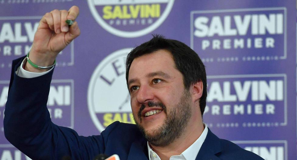 Mateo Salvini ordena censar los campamentos de gitanos para elaborar un plan de desalojos