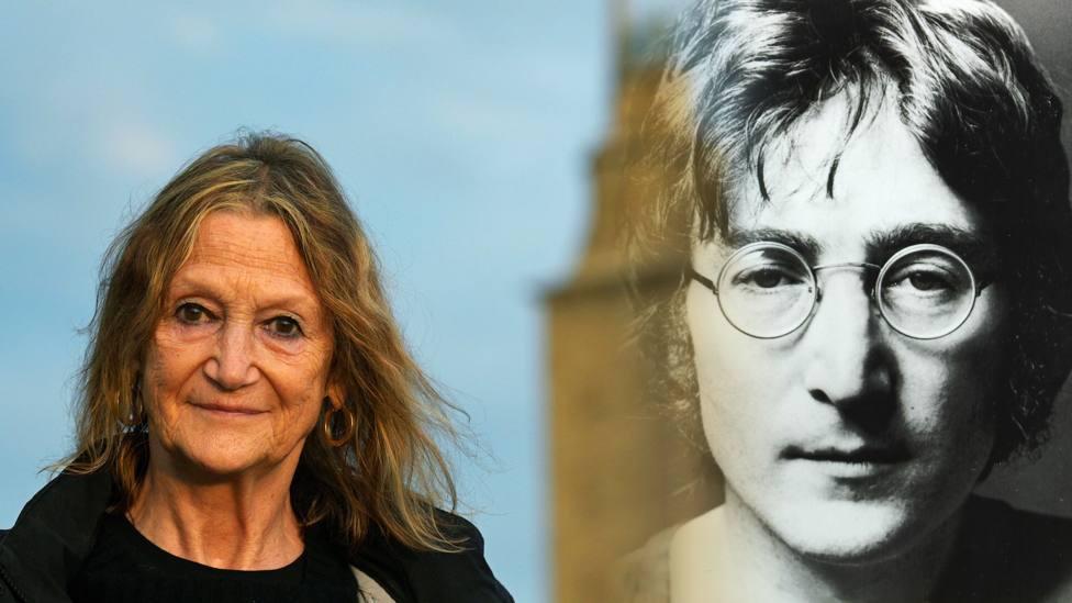 La hermana de John Lennon en la Catedral de Santiago de Compostela