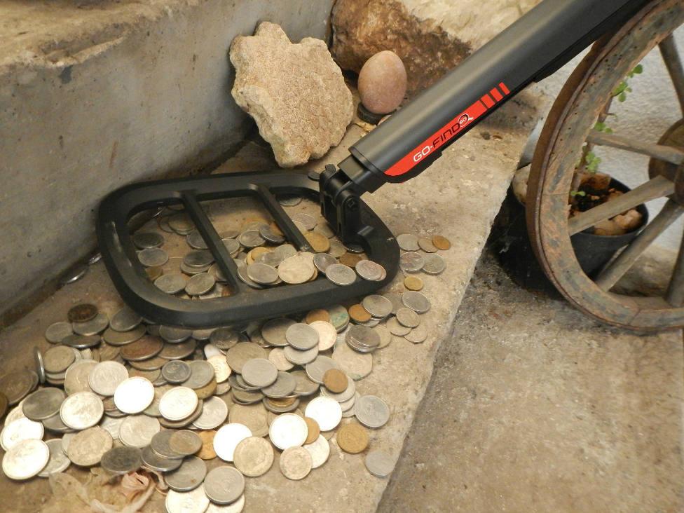 Cuatro albañiles encuentran este increíble tesoro valorado en miles de euros mientras arreglaban una solería