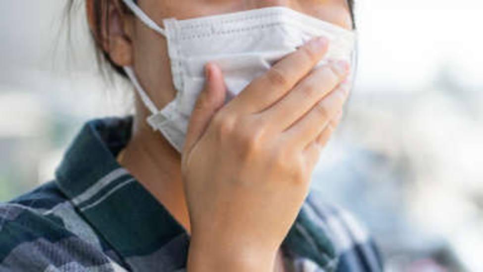 Usar mascarillas en Asturias no tiene ningún sentido, asegura el doctor Daniel López-Acuña