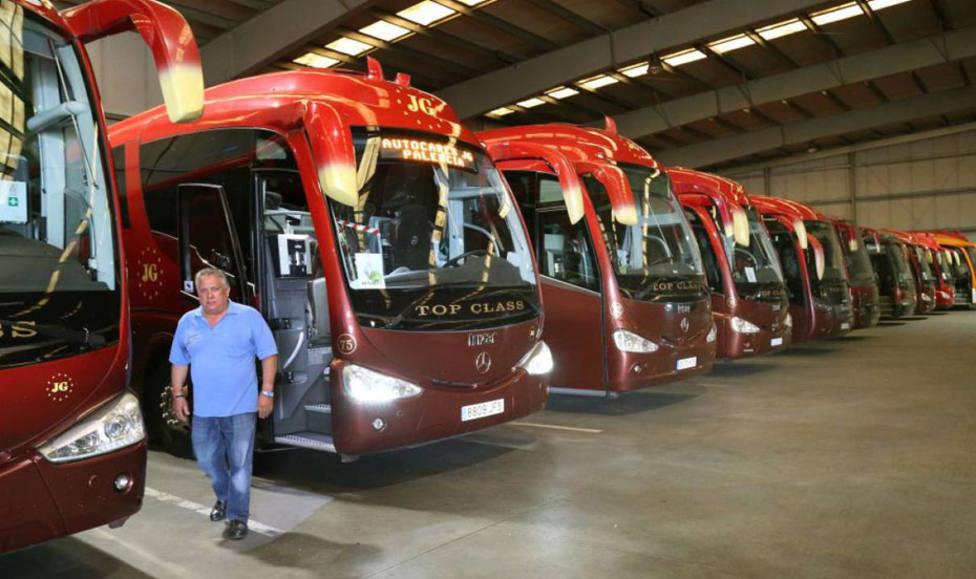 El Covid-19 ahoga a las empresas de autobuses que ven su futuro en el aire