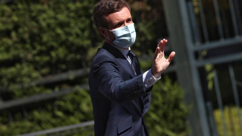 Casado defiende el legado de Juan Carlos y dice que el debate sobre la monarquía es suicida