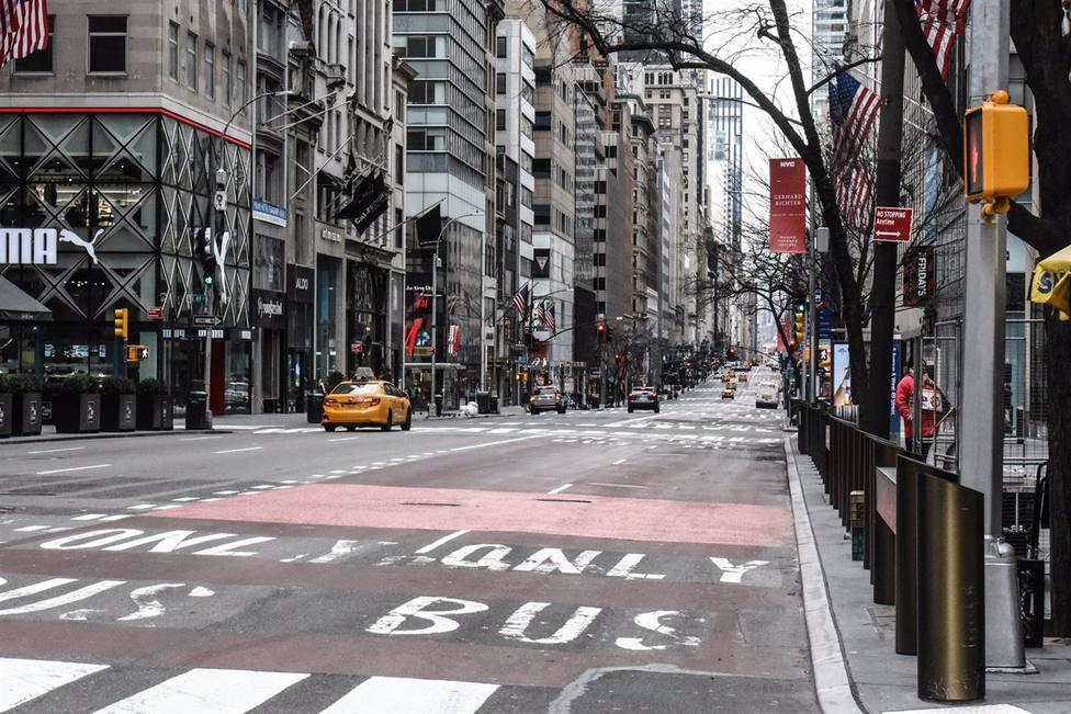 Nueva York pide prepararse para el aumento de casos y un posible cierre de escuelas