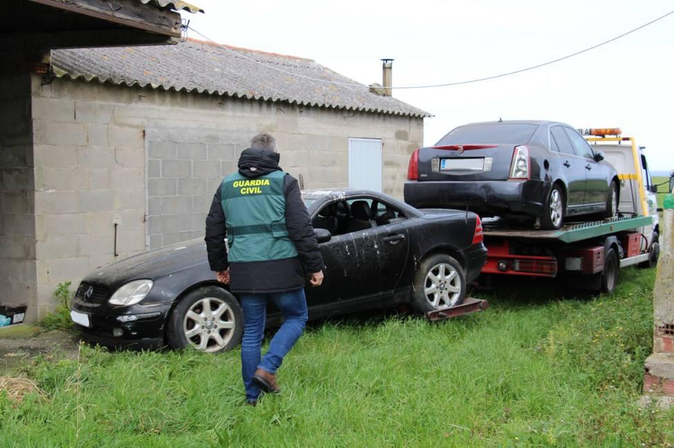Decomisan y destruyen los vehículos de dos usuarios de riesgo en Lugo