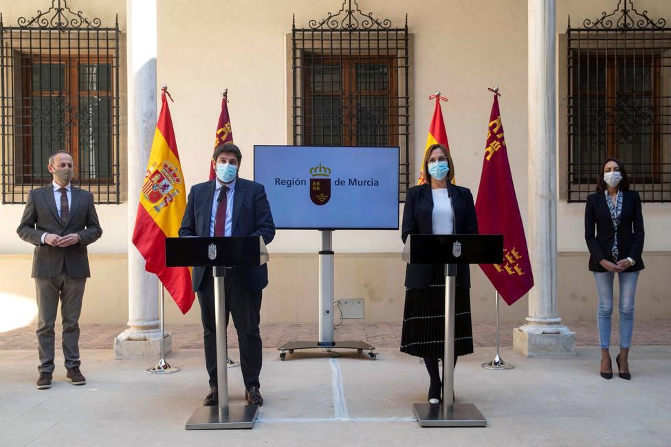 Tres diputados de Cs en Murcia frustran la moción y entran en el Gobierno