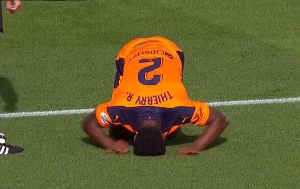 Correia cayó lesionado en Sevilla