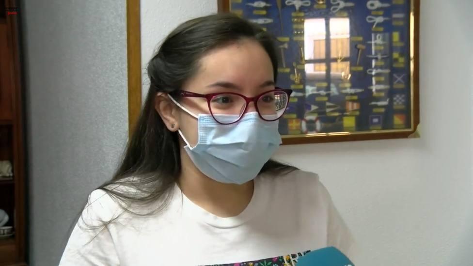 Una joven de 16 años cuenta, con una tos constante, cómo es el covid persistente: Mi vida ha cambiado