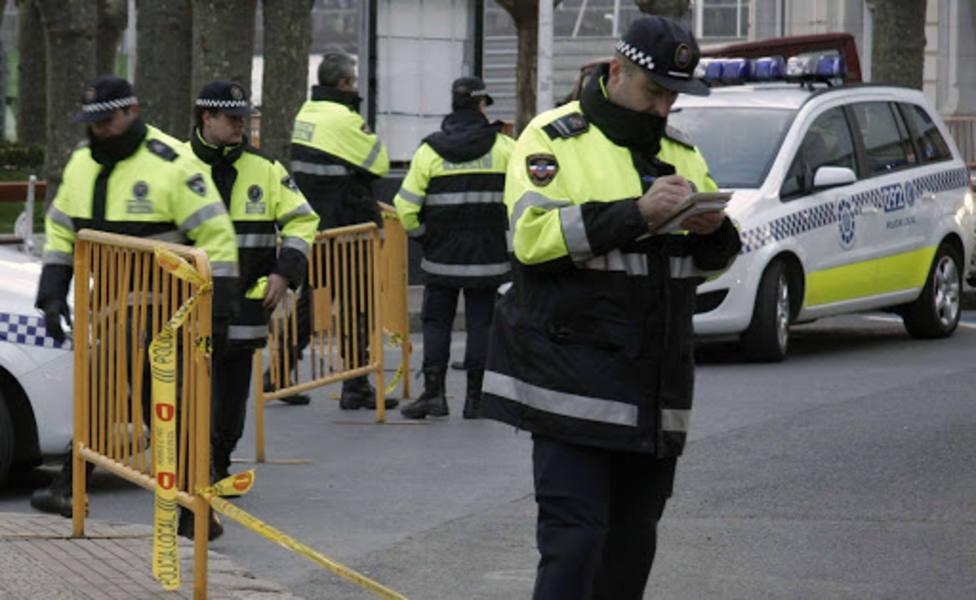 La policía local ha desalojado a casi un centenar de jóvenes