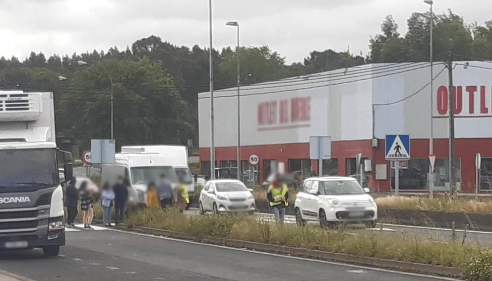 La mujer fue alcanzada en la FE-13 a la altura del supermercado LIDL - FOTO: A. C.