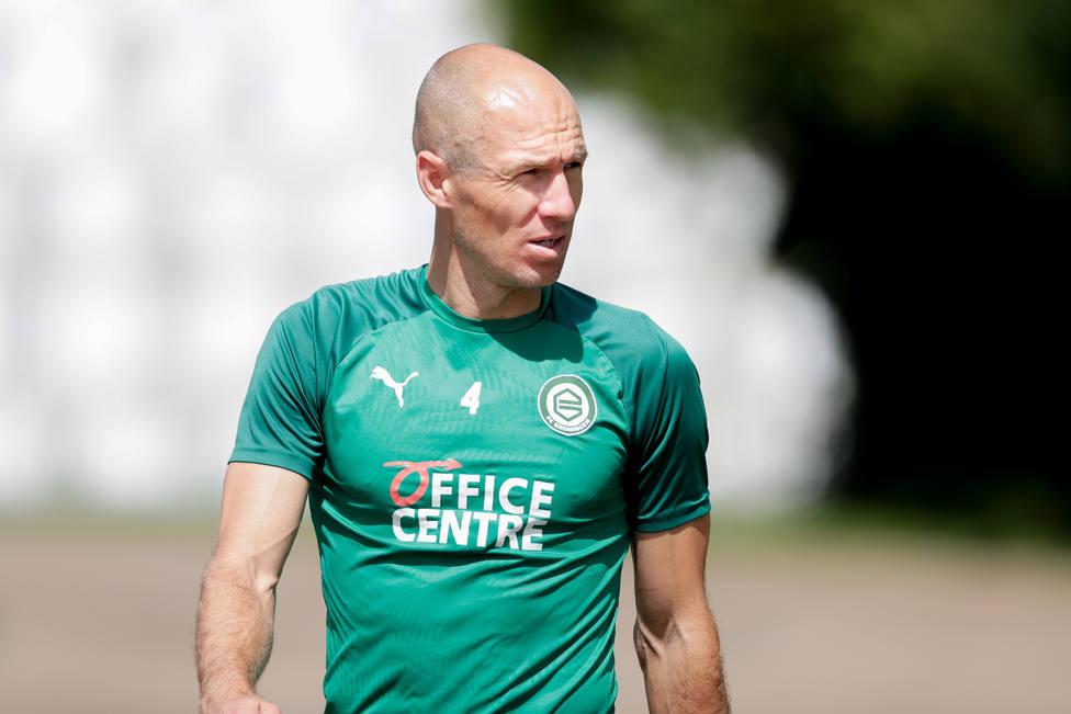 Arjen Robben entrenando con el FC Groningen.