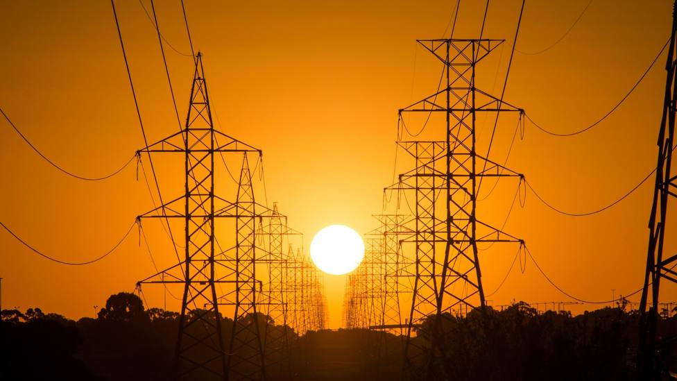 El precio de la luz subirá mañana y será el segundo más caro de la historia