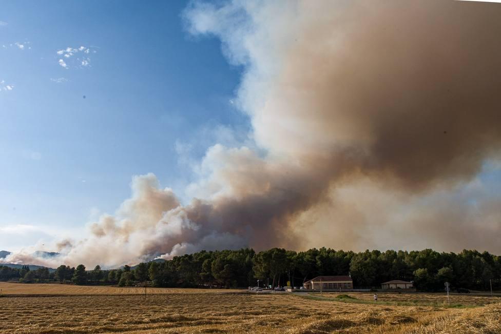 Los Bomberos dan por controlado el incendio de Santa Coloma de Queralt (Tarragona)