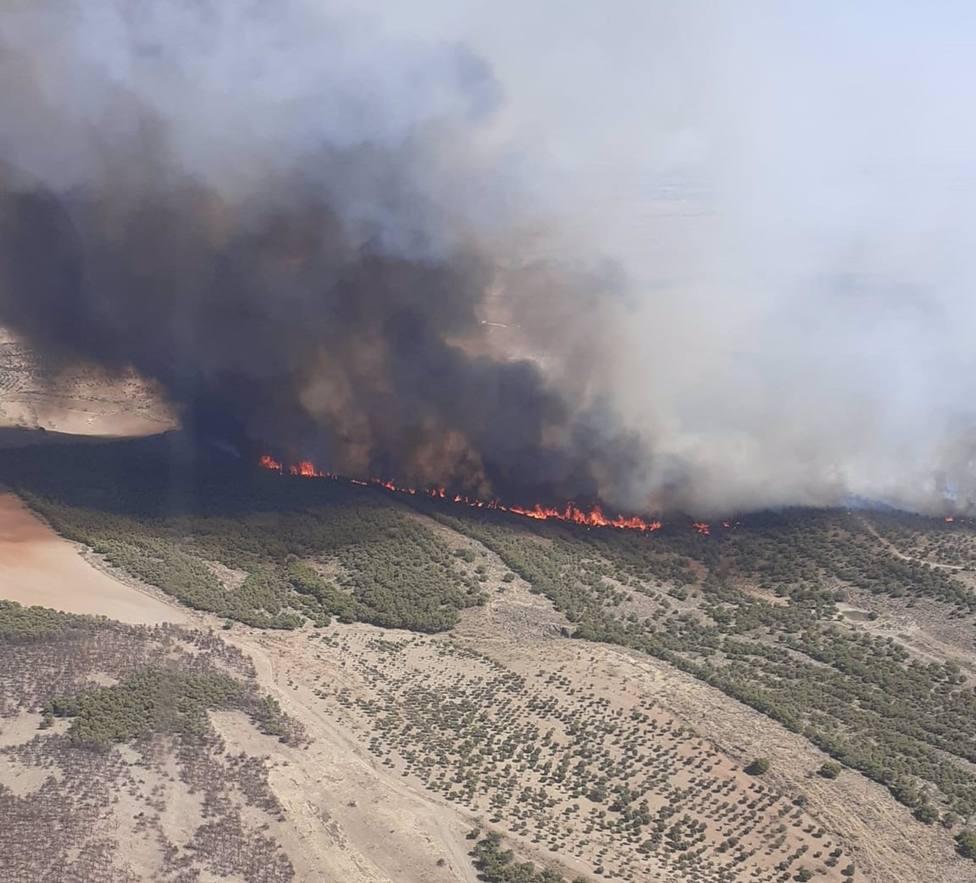Estabilizado el incendio forestal declarado en un paraje de Belalcázar