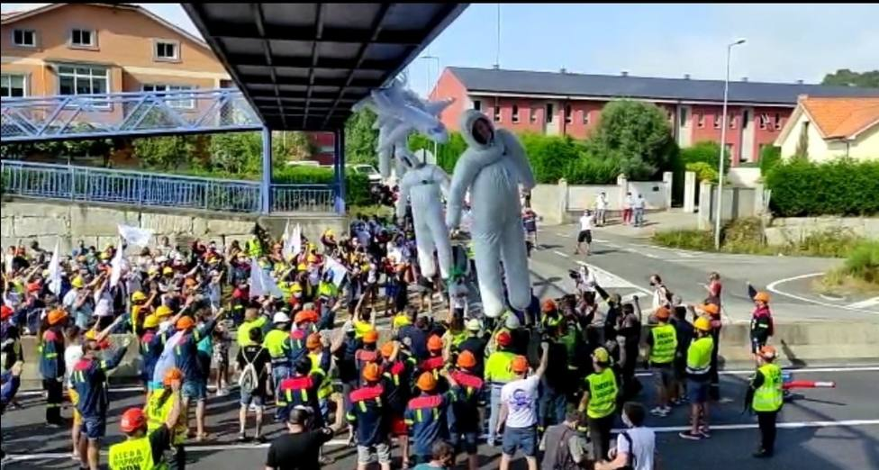 Manifestación de los trabajadores de Alcoa en San Cibrao