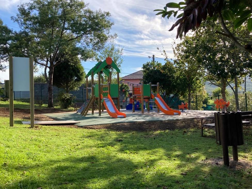 Parque ubicado en el CEIP O Marbán de As Somozas
