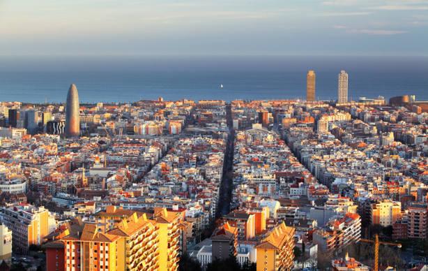 El independentismo hunde la imagen de Barcelona