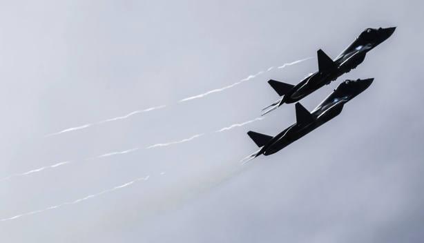EE.UU. intercepta 2 cazas nucleares rusos cerca de Alaska