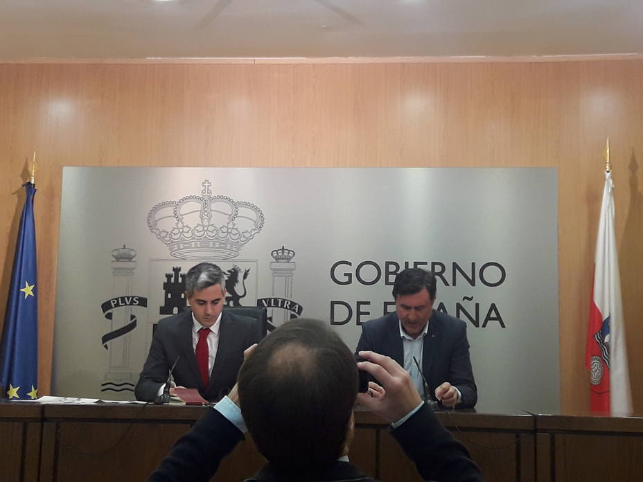 Delegado del Gobierno, Pablo Zuloaga y Consejero de educación, Francisco Fernández Mañanes