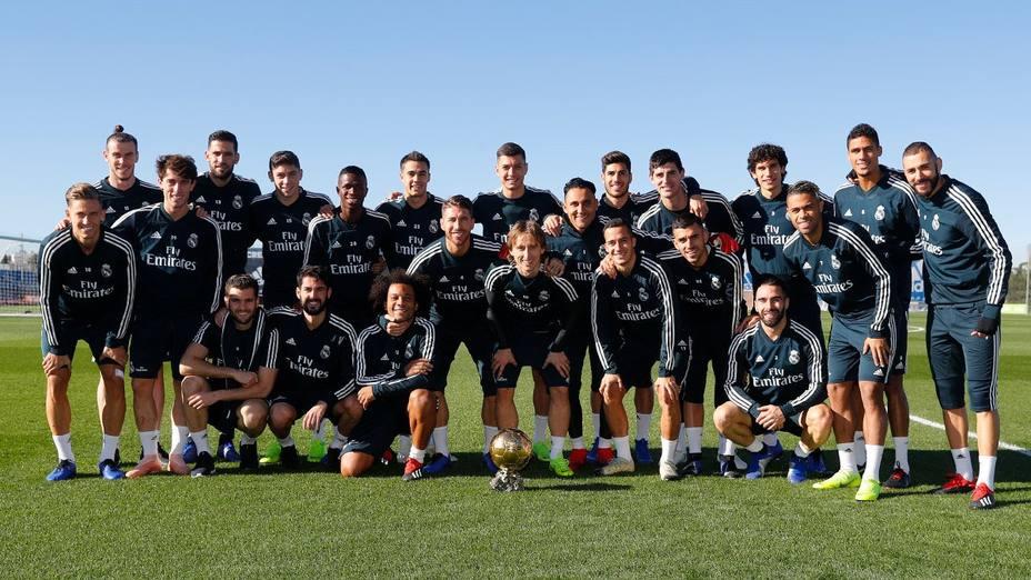 Modric comparte su Balón de Oro con sus compañeros