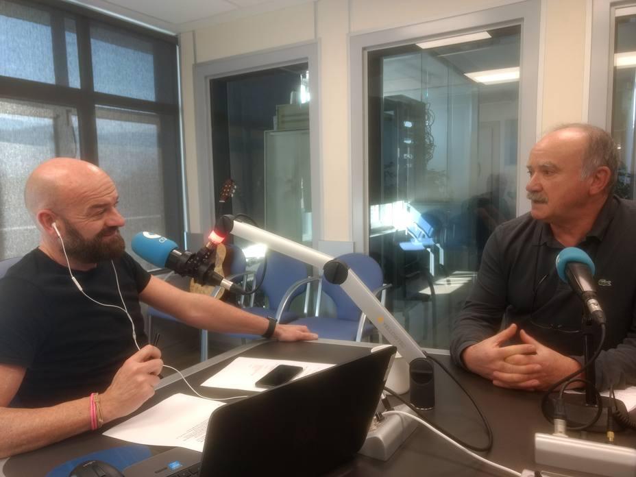 Santiago Ruiz de Azúa entrevista a Jesús de Pedro