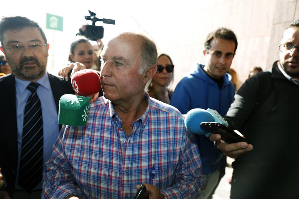Llegada a los juzgados de José Antonio Sánchez, el pocero Totalán