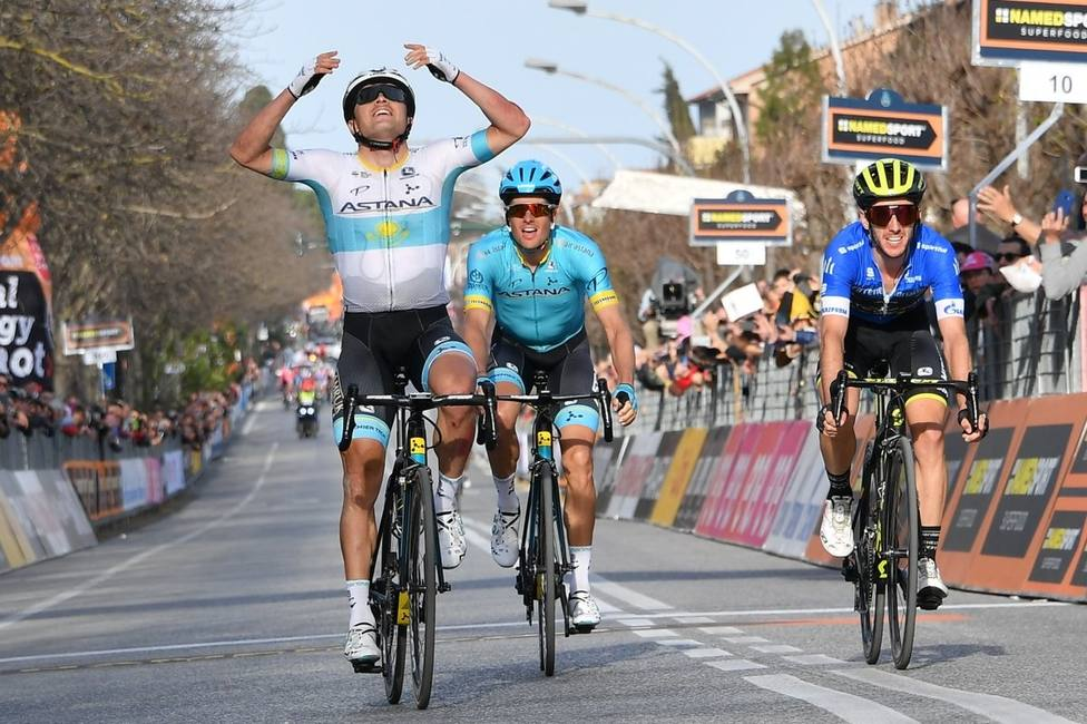 Lutsenko emerge tras dos caídas y gana al sprint la cuarta etapa de la Tirreno-Adriático