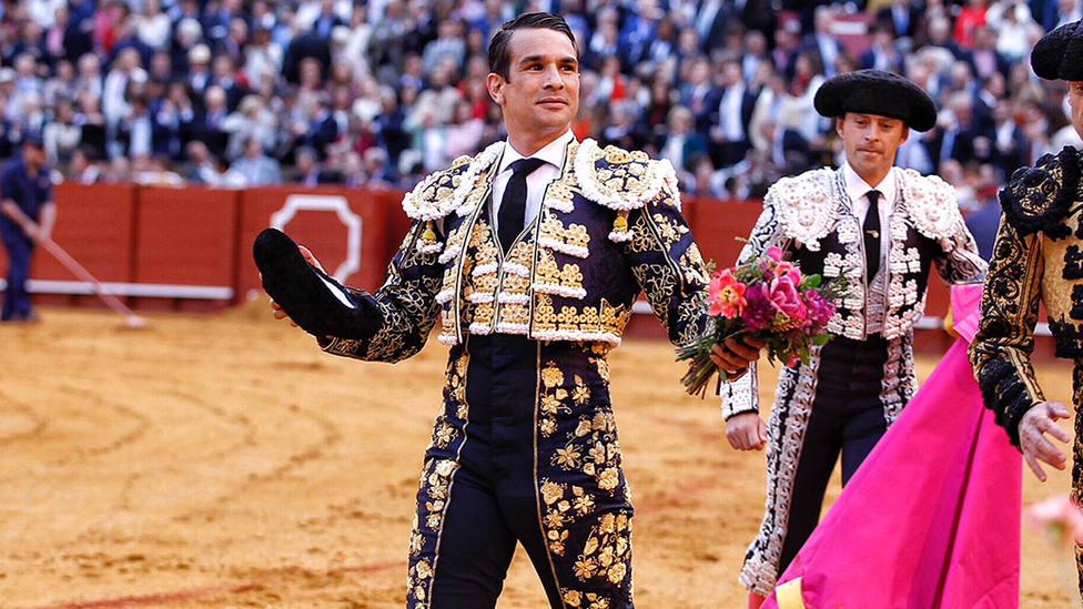 José María Manzanares con la oreja cortada este Domingo de Resurrección en Sevilla