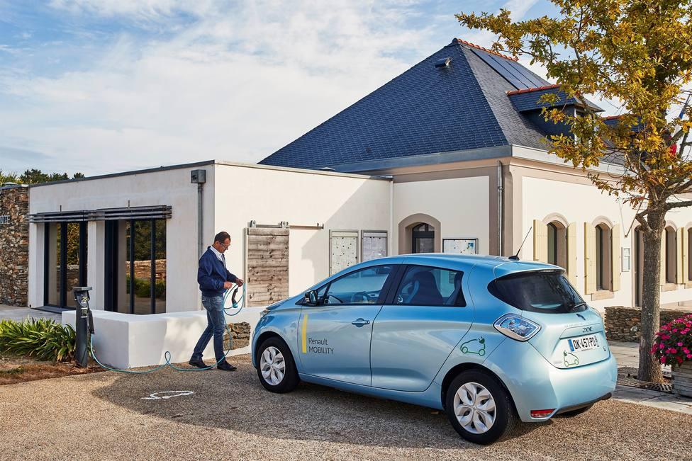 La demanda de coches eléctricos aumenta un 71% en Europa en abril, con 22.900 unidades vendidas