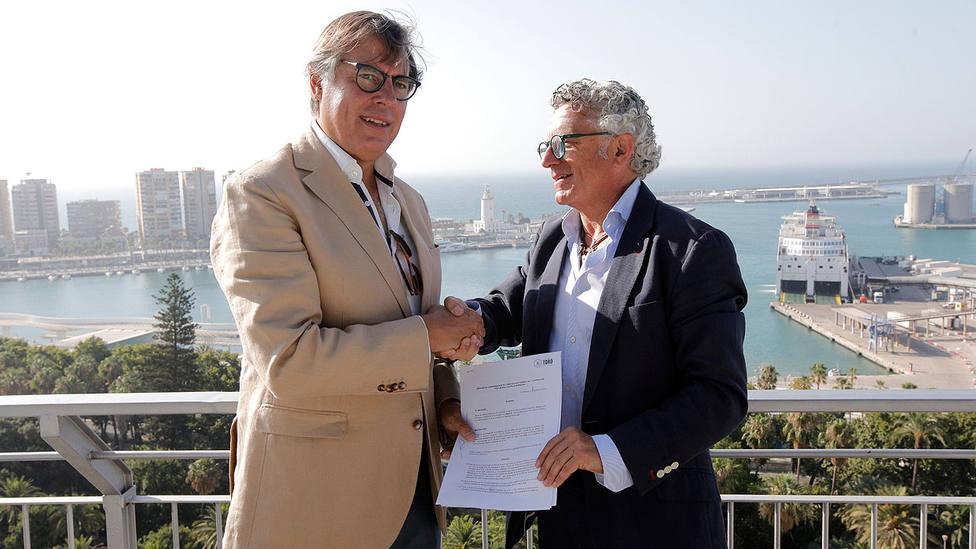 José Carlos Escribano y Aurelio J. López durante la firma del convenio