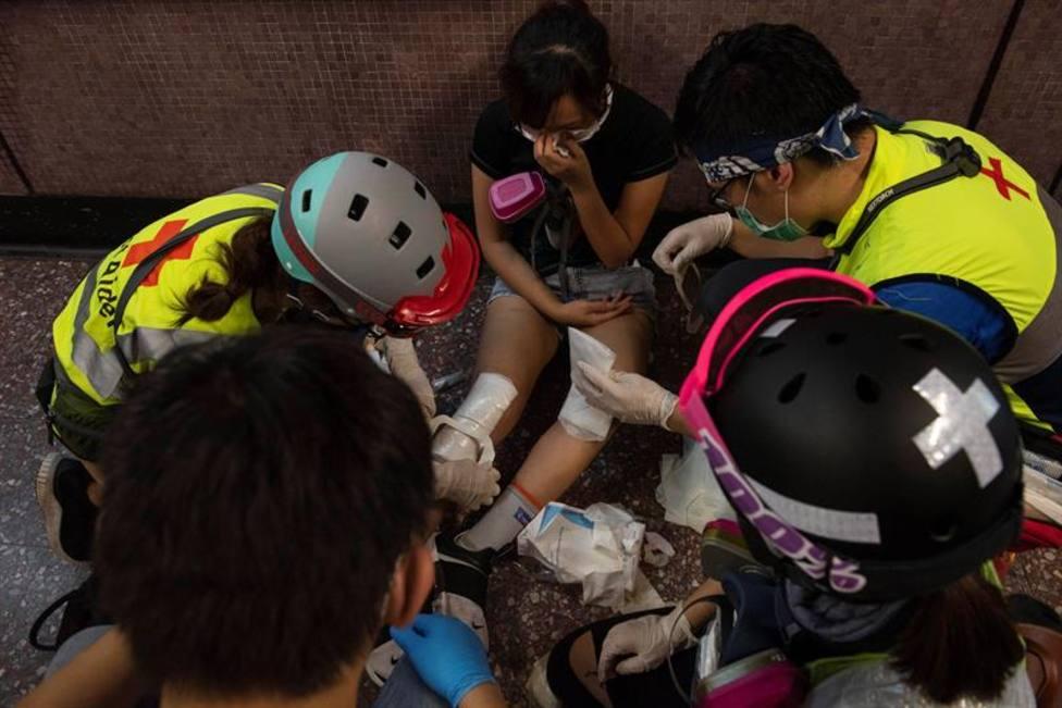 Al menos 13 heridos y cinco detenidos en el segundo día consecutivo de disturbios en Hong Kong