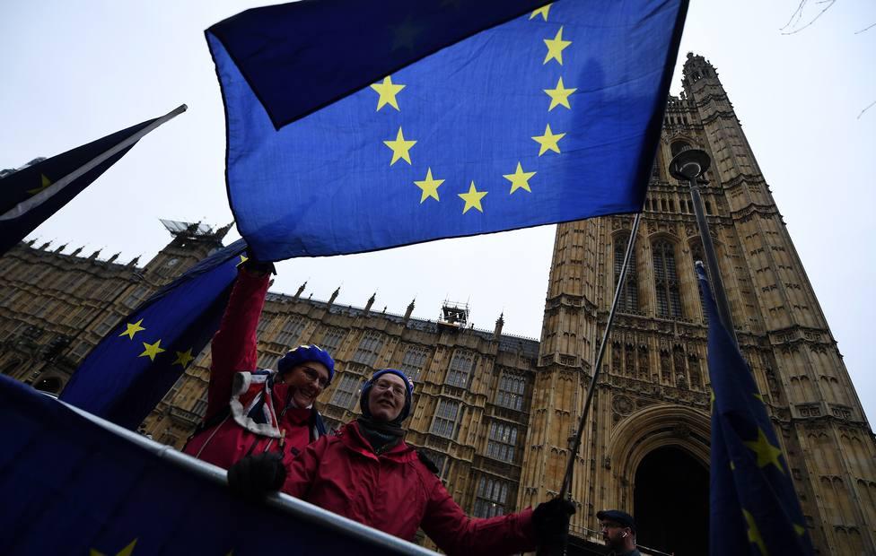 70.000 españoles piden el estatus de asentado en el Reino Unido