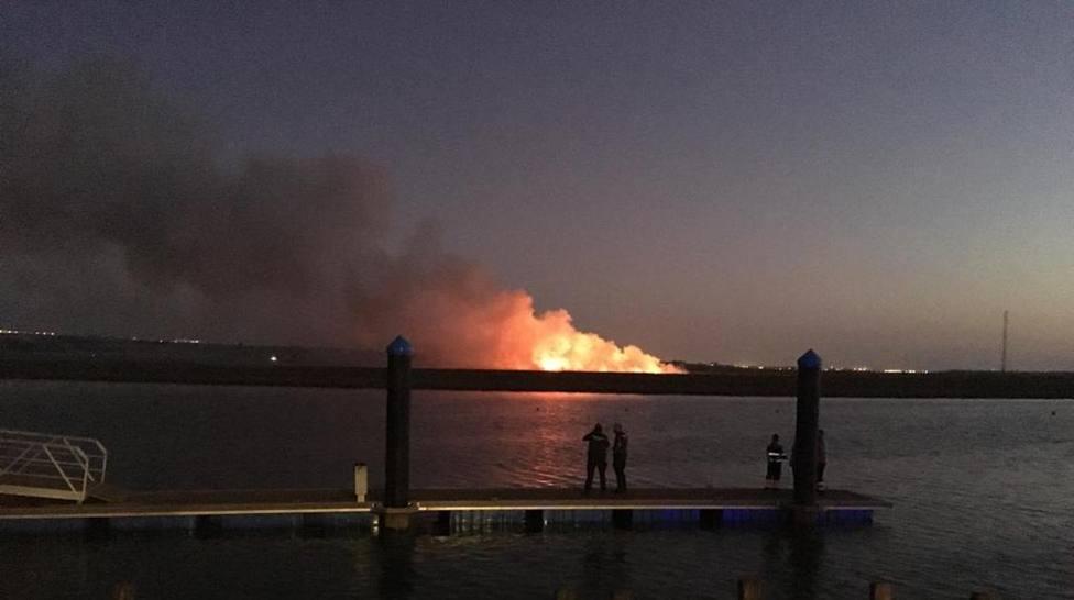Se estrella una avioneta ultraligera en las marismas de Huelva