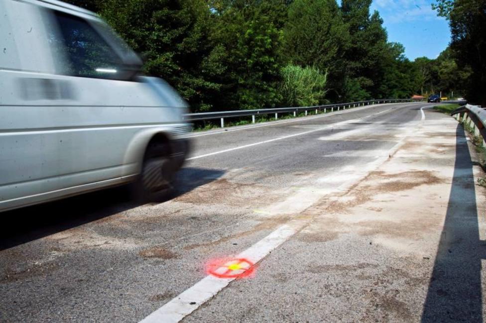 Un hombre muere y dos resultan gravemente heridos tras ser arrojados desde una furgoneta en marcha
