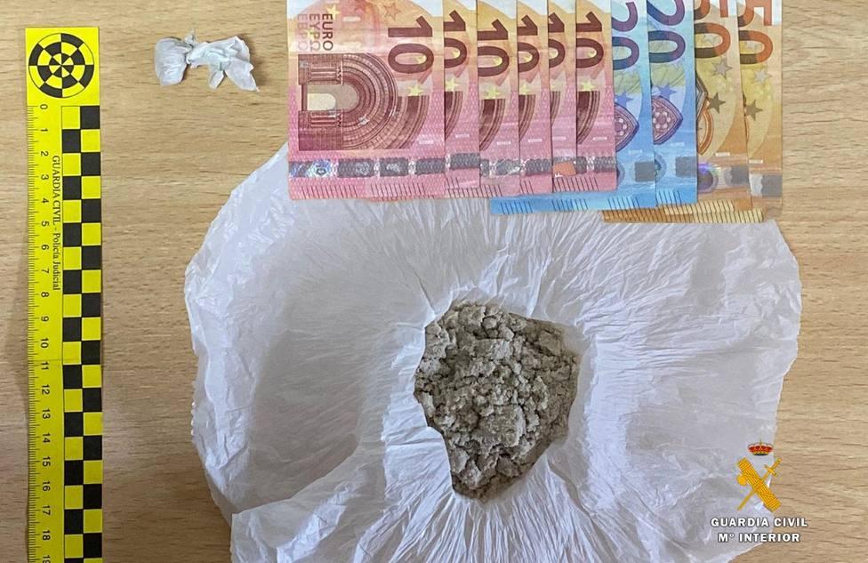La Guardia Civil frustra una posible entrega de ketamina en Sámano
