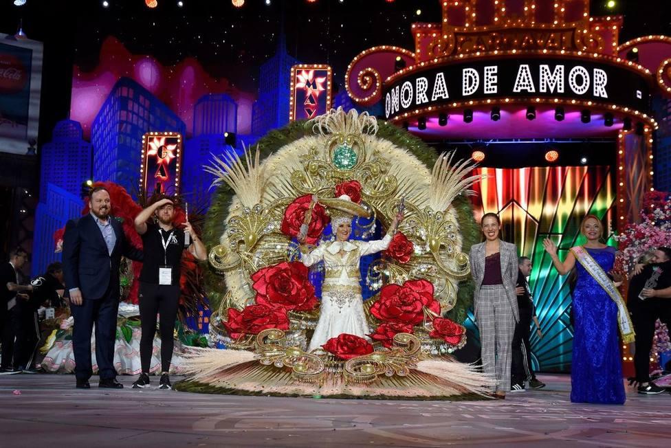 Consuelo Pérez, Reina de los Mayores del Carnaval 2020 de Santa Cruz